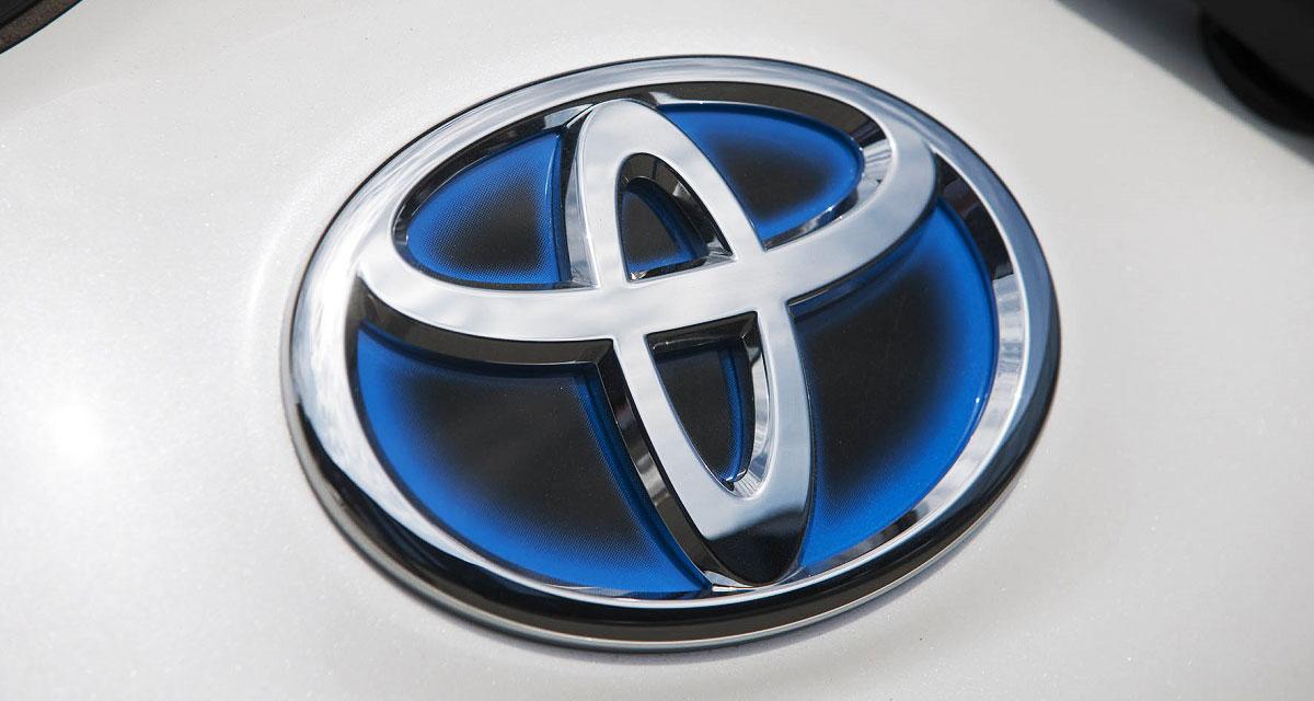 Toyota Logo Hybrid